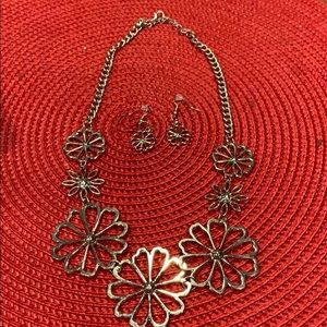 Silver flowers with earrings